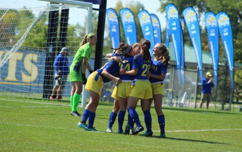 Soccer sprints to Summit League