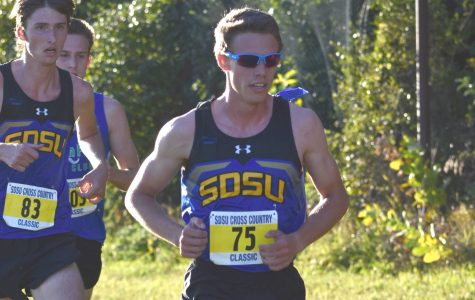 Cross country teams end season at Midwest Regionals