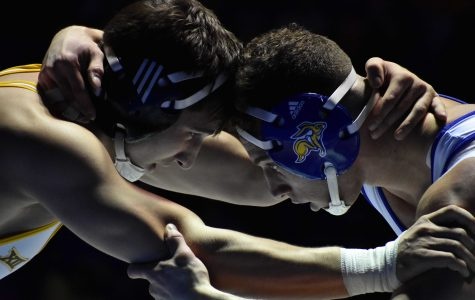 Wrestling undefeated in Big 12, hopes to win 11th straight dual against Cyclones