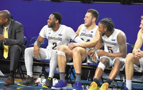 Jacks continue hot start in Summit League play