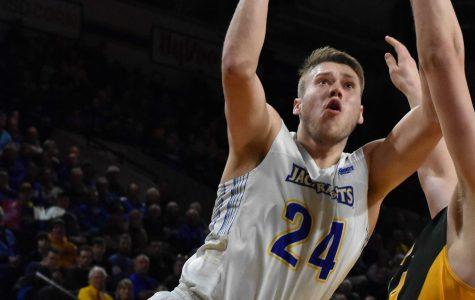 'Dauminating' on, off court: basketball star talks legacy