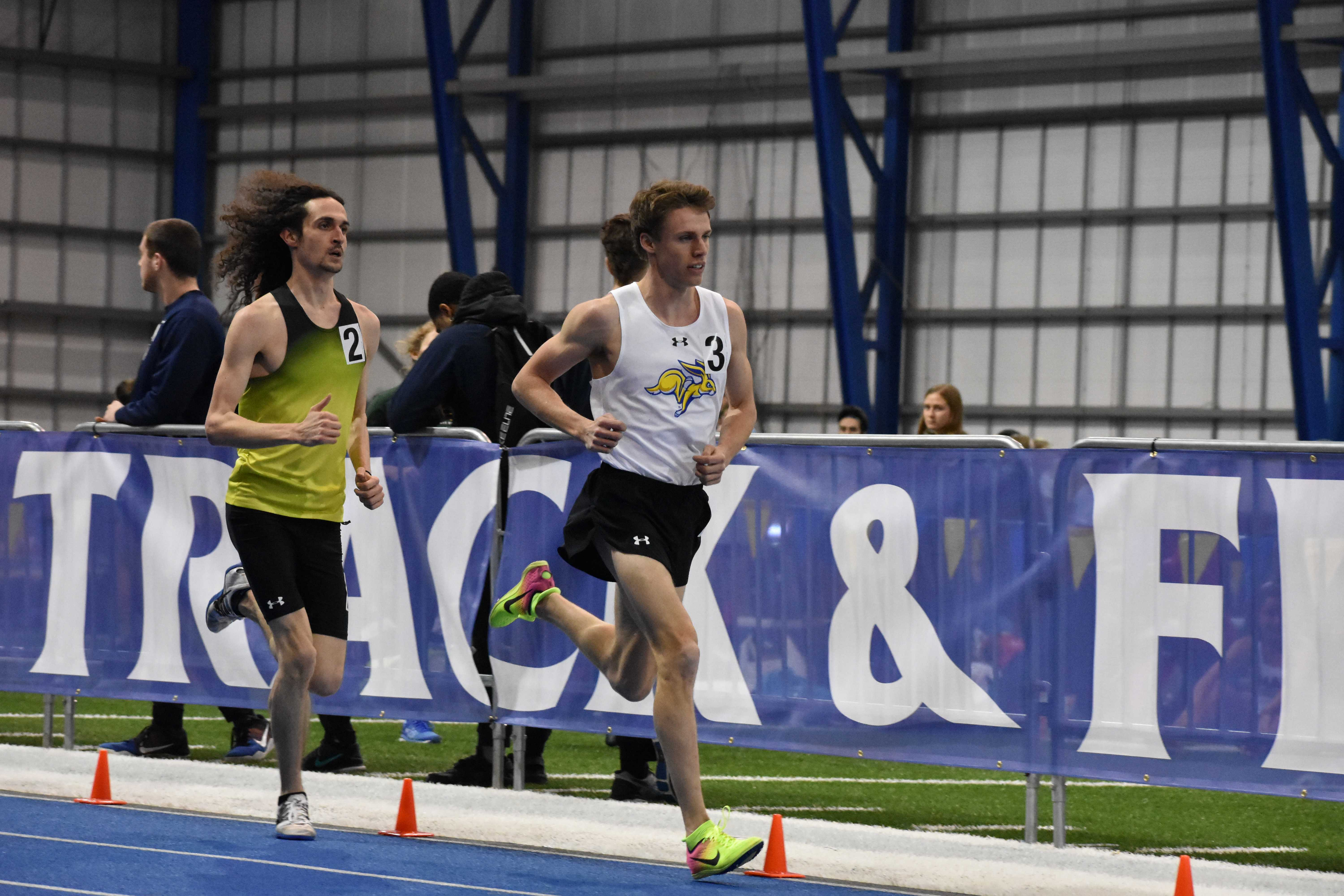 ABBY FULLENKAMP Junior Kyle Burdick runs in the men's 3,000 meter run during the SDSU Indoor Classic meet Feb. 9. Burdick made a new facility record for the men's 3,000 meter run with a time of 8:09.92. The Jacks host the SDSU Last Chance meet at 3pm in the SJAC Friday, Feb. 16.