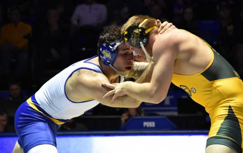 Wrestling sends seven to NCAA Championship