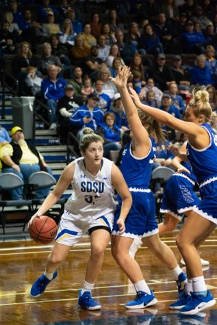 SDSU dominates second half, downs DWU